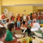 La peña Les Escoutailles anime la fête aux Senioriales