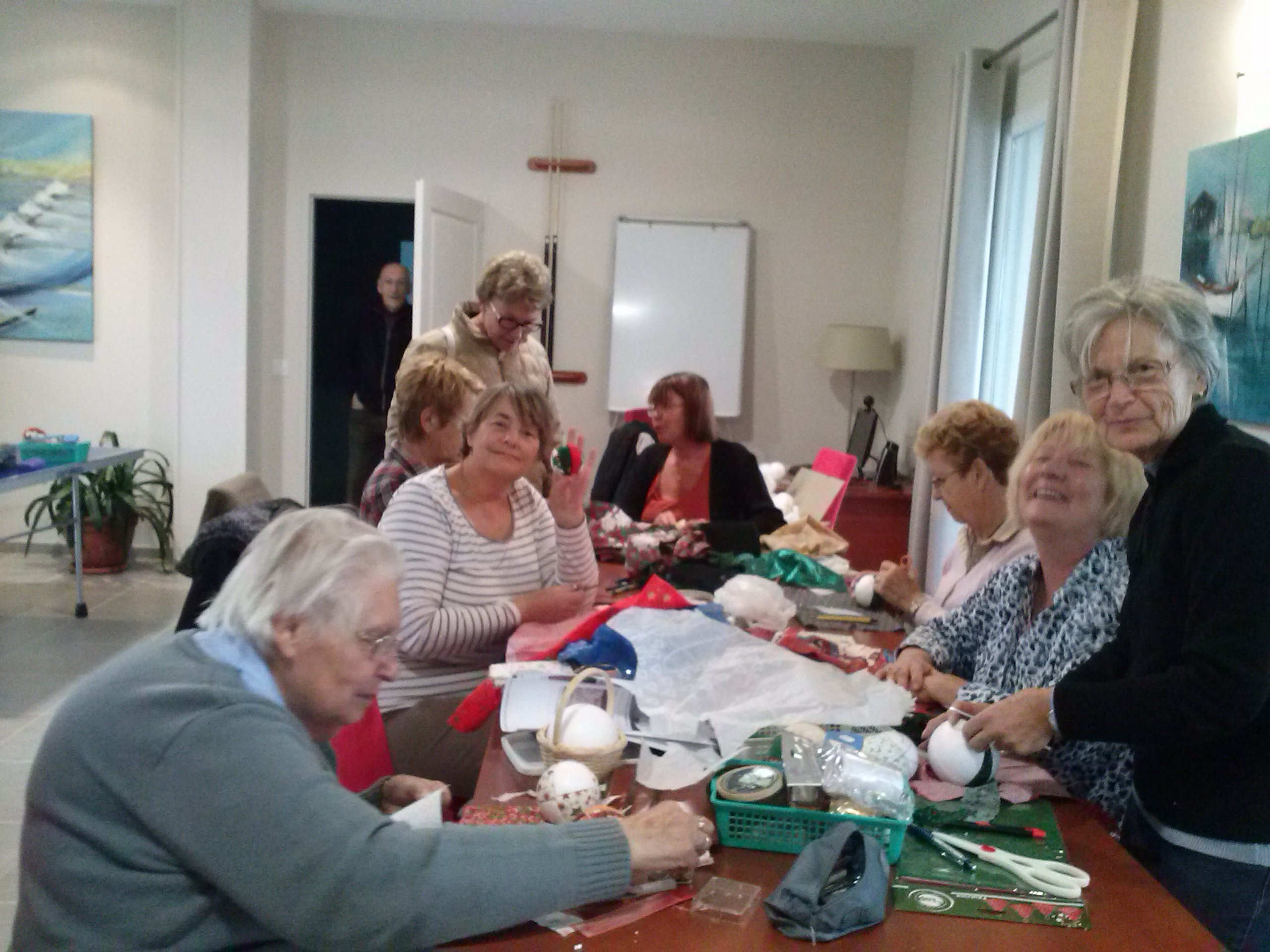 Fabrication des d corations de noel blog senioriales - Fabrication de decoration de noel ...